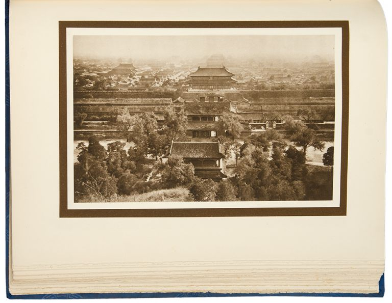 The Pageant of Peking. Comprising Sixty-six Vandyck Photogravures of Peking and Environs ... With an Introduction by Putnam Weale. Descriptive notes by S. Coulie. Donald MENNIE, photographer.