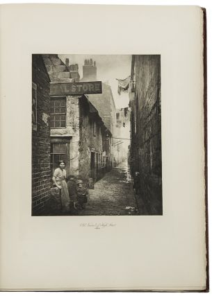 The Old Closes & Streets of Glasgow ... With an Introduction by William Young